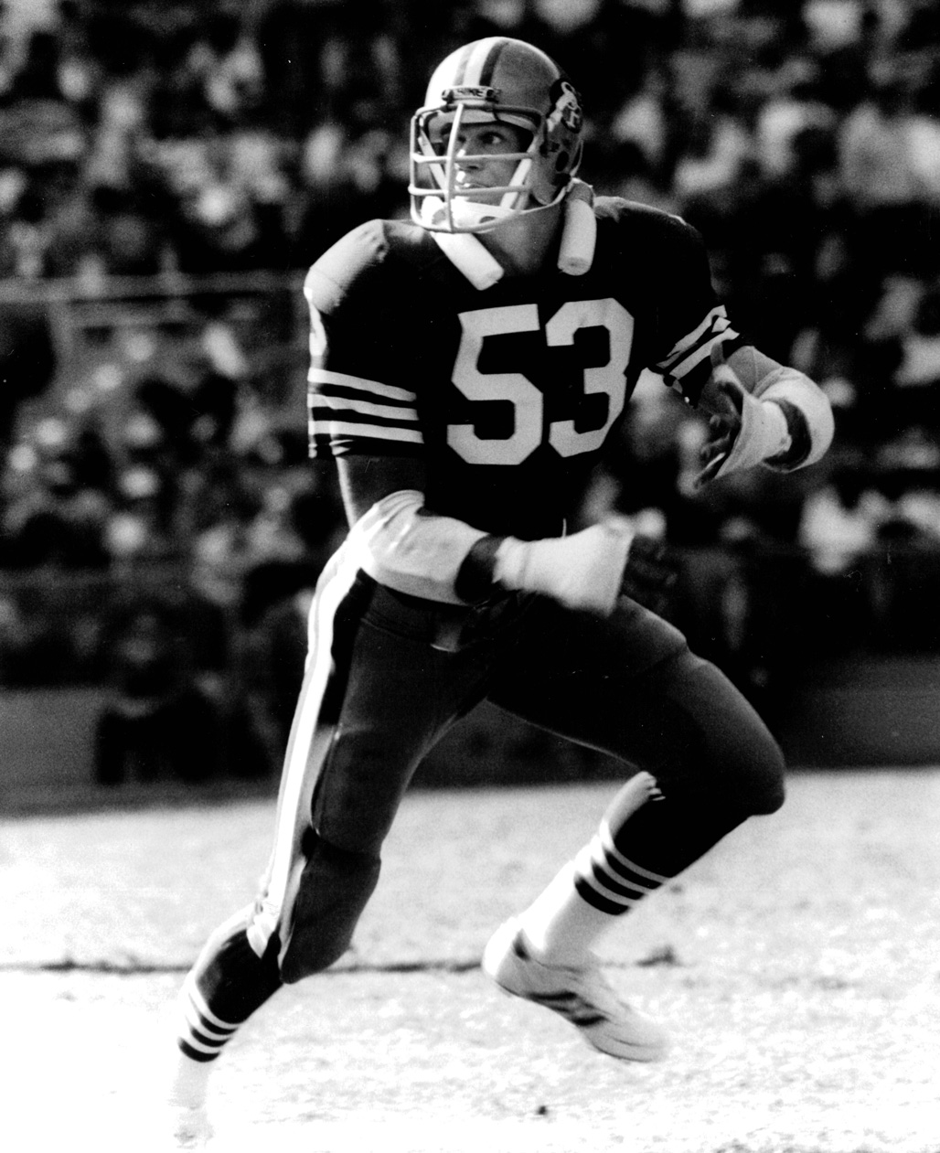 Milt McColl playing football for the San Francisco 49ers