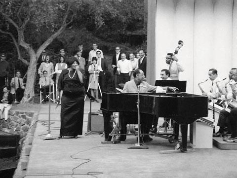 Jazz - Ella on stage