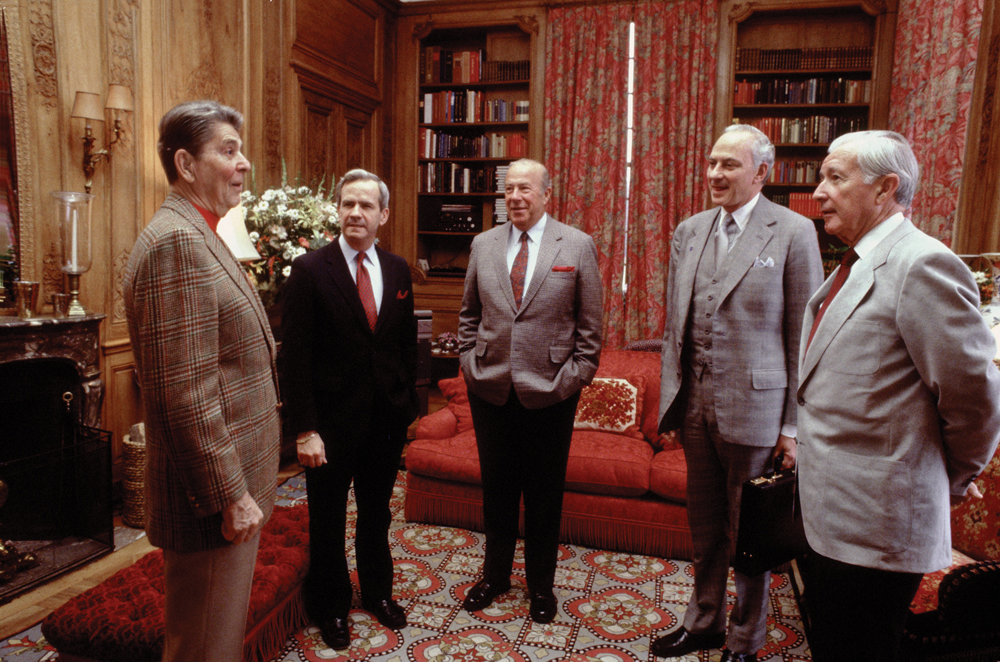 Reagan in Geneva with National Security Advisor Bud McFarlane, Shultz, Ambassador to the USSR Arthur Hartman and White House Chief of Staff Donald Regan.