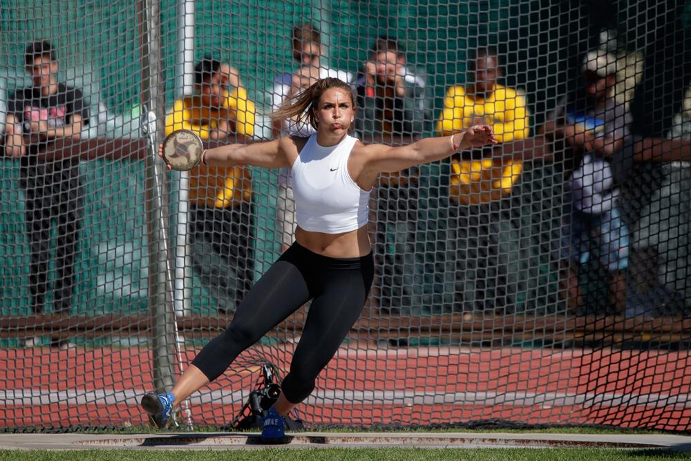 Valarie Allman throwing the discus